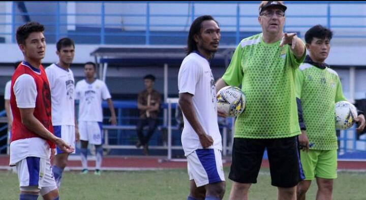 Prediksi Bola Terbaik - Madura United Squad 2019 - Hasil Prediksi