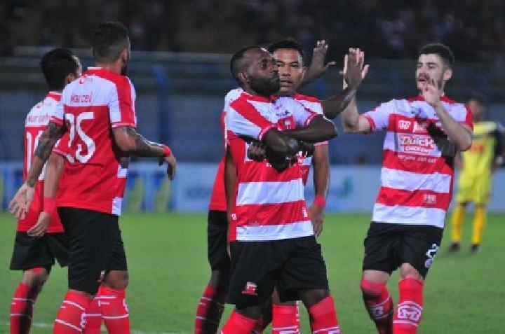 Prediksi Pertandingan - Madura United Squad 2019 - Hasil Prediksi