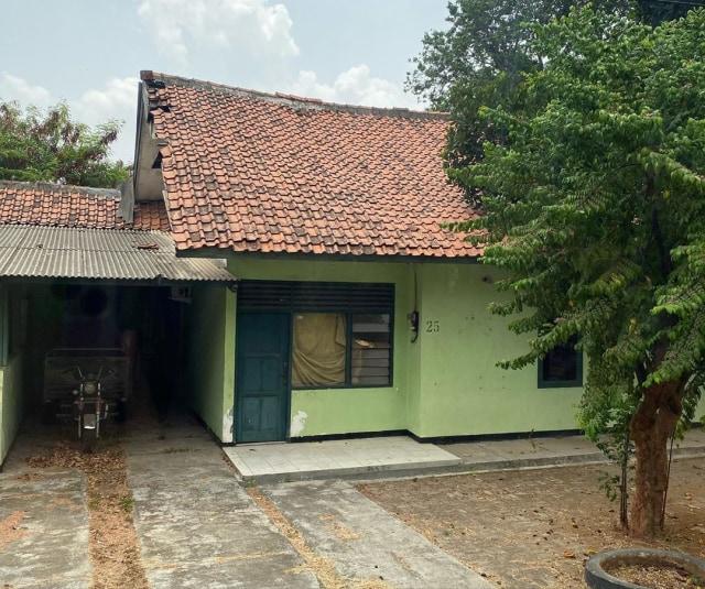 Rumah dinas pertama yang mereka tempati