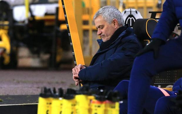 Mourinho Dipercaya Pemainnya Bakal Akhiri Puasa Gelas Tottenham 1